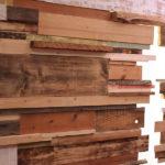 dettaglio-parete-in-legno-ristorante-comelico